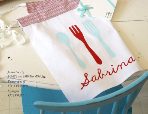 Fabric stenciling tutorial by { Hello!Lucky } - Screenshot by Karboojeh from  The Anthology Holiday 2011 Special Issue